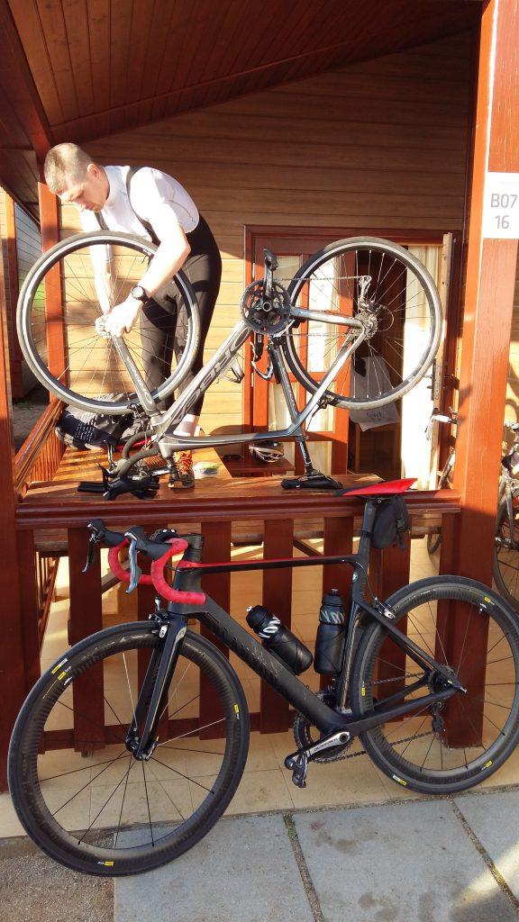 Nico bricole son vélo