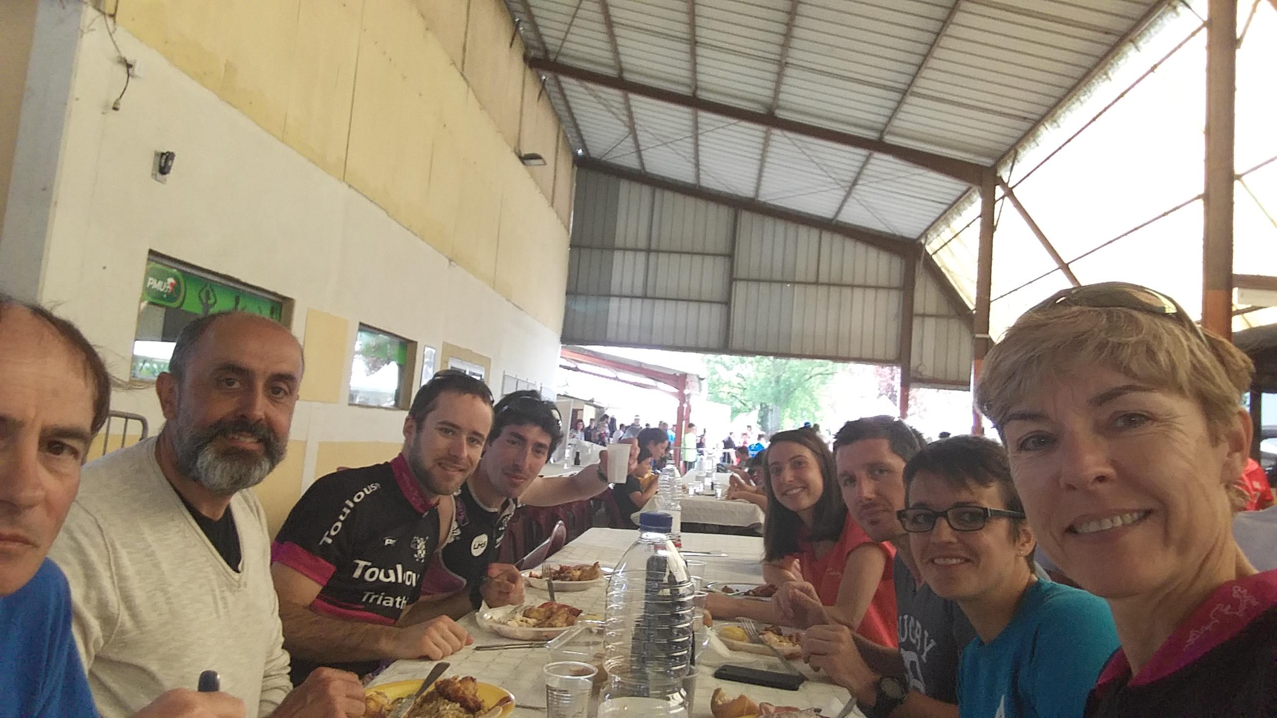 Les vachettes au repas d'après-course du triathlon d'Auch 2018