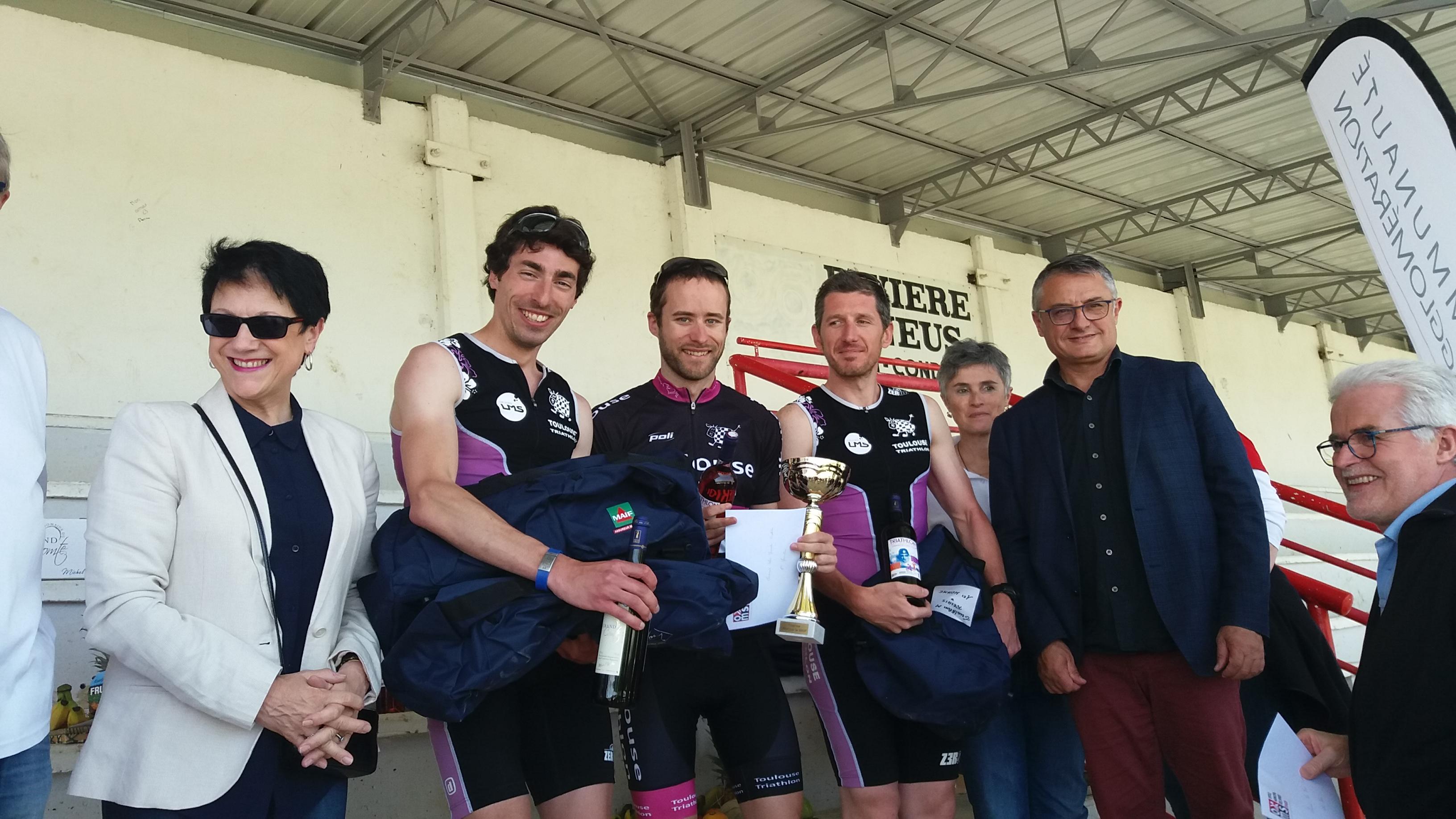La bande des O victorieuse en relais du triathlon d'Auch 2018