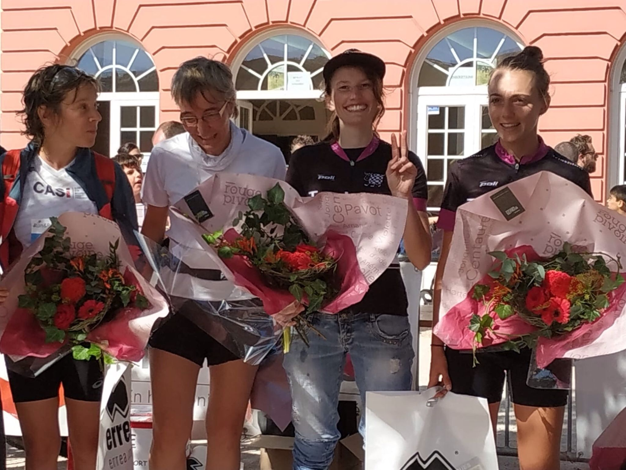 Roxanne & Zoé sur le podium du Run and Bike de Péchabou 2018